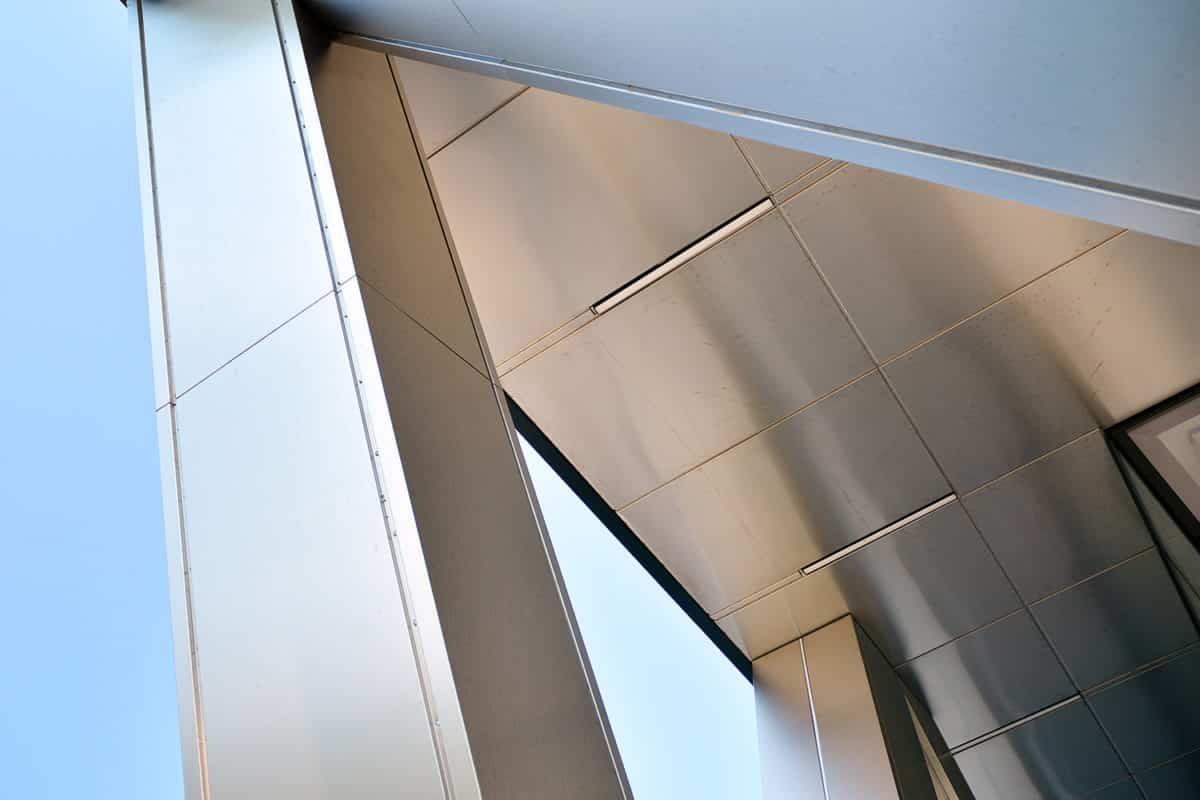 อลูมิเนียมคอมโพสิต สีเมทัลลิก ไอเดียการออกแบบ